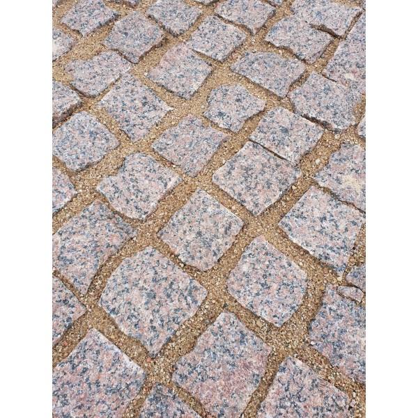 Trinkelės granito raudonos ~10x10x5 cm, kg (Bigbag >1t 180€/t)