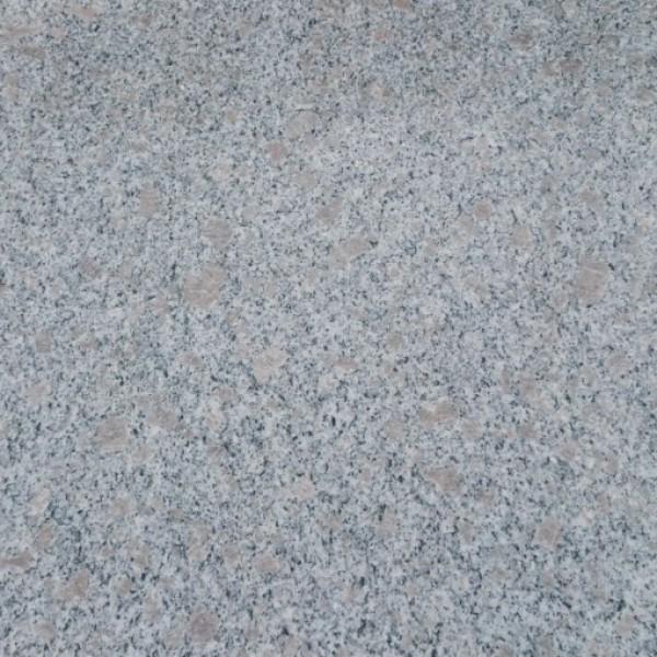 Pearl Granite poliruotas 60x60x2cm, m2