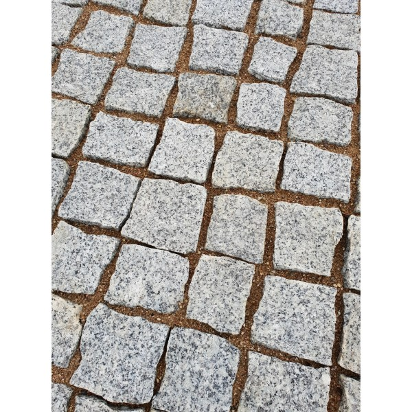 Trinkelės granito pilkos ~10x10x5 cm, kg (Bigbag >1t 160€/t)