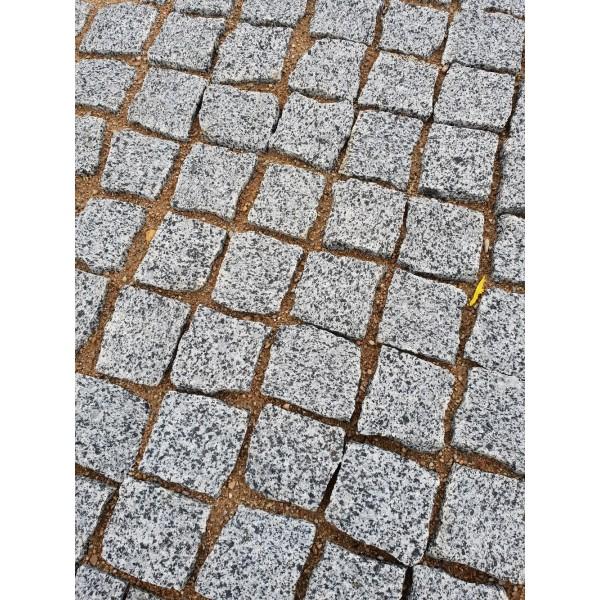 Trinkelės granito zebra 10x10x5, kg (Bigbag >1t 190€/t)
